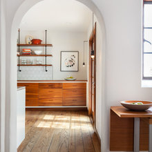 Houzz Tour: White and Wood Beautify a Traditional Home