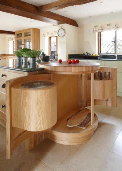 farmhouse by figura kitchens u0026 interiors figura kitchens u0026 interiors but open the doors and youu0027ll find a bin for composting
