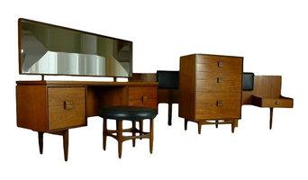 Mid Century Modern 4 Piece Bedroom Suite By Kofod Ln