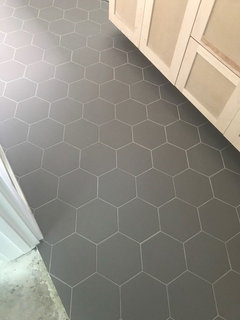 grout color for dark gray hex floor