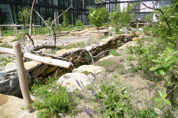 Rustikal  by Naturnahe Gärten
