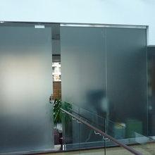 Murs et portes en verre