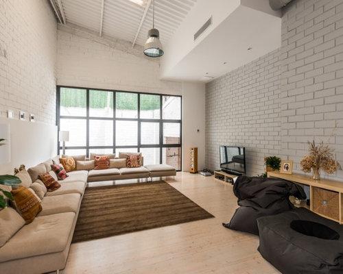 industrial wohnzimmer mit multimediawand ideen design bilder beispiele. Black Bedroom Furniture Sets. Home Design Ideas