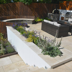 Robert hughes garden design knutsford cheshire uk wa16 8bb for Garden design knutsford