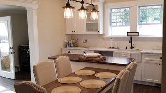 Compact  (YET SPACIOUS) Family Kitchen