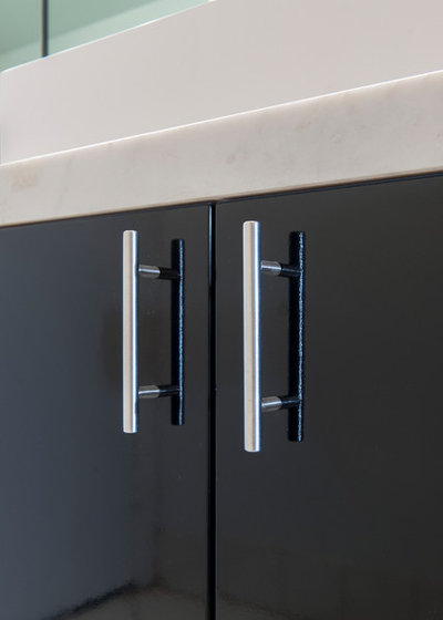Modern  by Kitchen Solvers of Miami