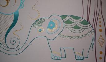 Роспись спальни в индийском стиле. Фрагмент.