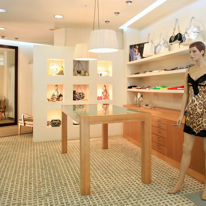 ROSA DONA Boutique. Tienda de ropa femenina con grandes marcas del sector.
