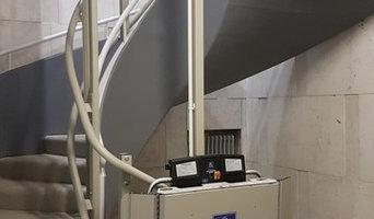 Servoscale a piattaforma per scala elicoidale dalle linee moderne