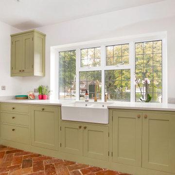 Rickmansworth Handleless Shaker Kitchen