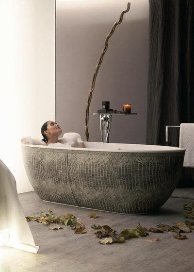 Modern Bathtubs by PSCBath