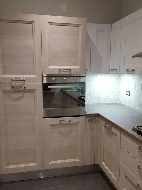Realizzazione Cucina Mya bianco spazzolato, larice grigio chiaro