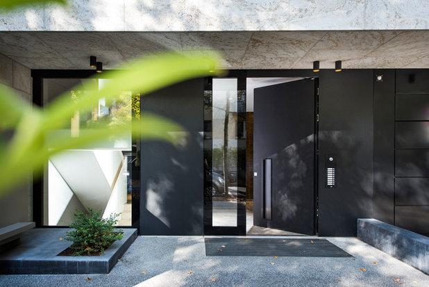 Modern Haustüren by ComTür Weimann GmbH