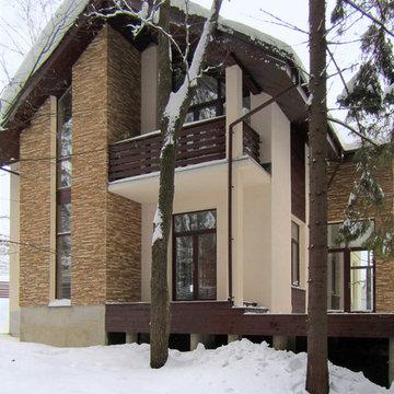 Балкон мансарды коттеджа для Подмосковья