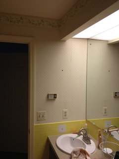 what color wall paint goes with yellow bathroom tile