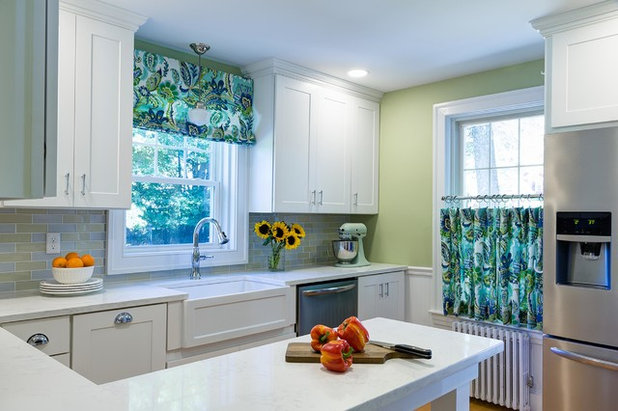 Traditional  by Designs By Gia Interior Design and Renovation