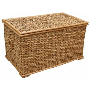 Traditional Storage Basket in Wicker with Lid and  Wooden Hoop Handles