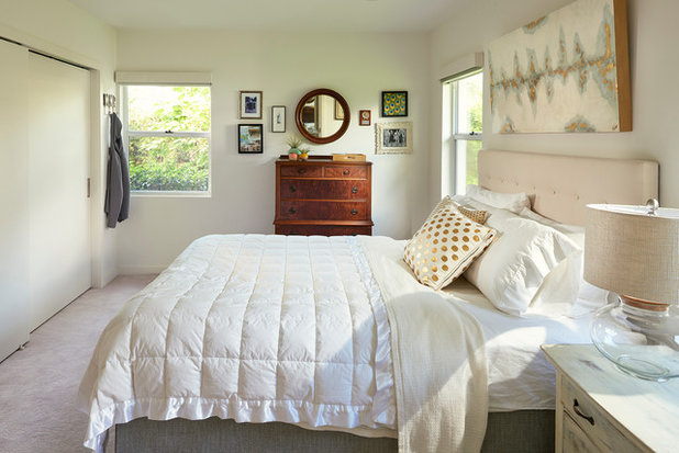 Midcentury Bedroom by Traction Architecture