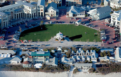 Tour a Pioneering Beach Town That Fosters Community