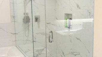 Inline shower enclosure