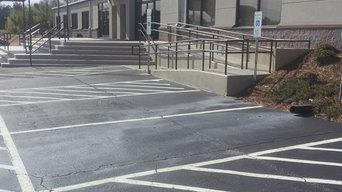 Steps with handicap ramp