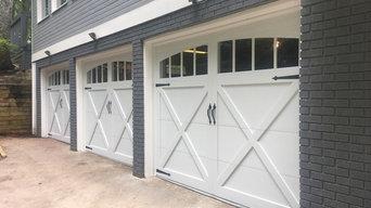 Carriage Barn Style Garage Doors W/ Windows