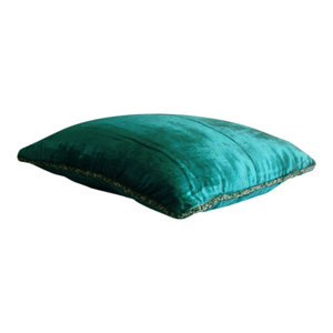 Green Solid Color 40x40 Velvet Cushion Covers, Royal Peacock Green Shimmer