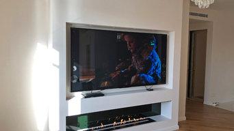 Автоматический биокамин Smart Prime в нише под телевизором