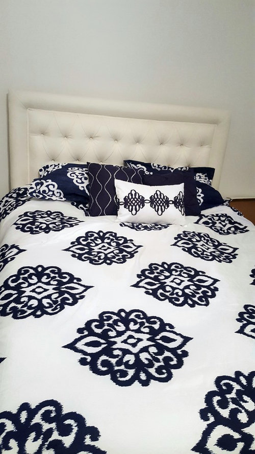 Match Curtains To Headboard Ivory Or, What Color Curtains Go With White Bedding