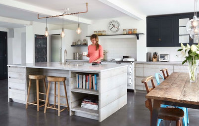 Eine alte Werkstatt wird zur Wohnküche im Industrial-Look