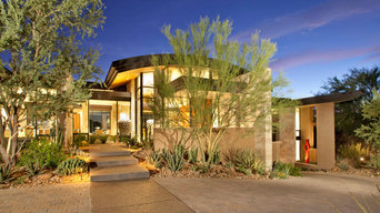 Modern Hillside | Entry with Desert Landscape