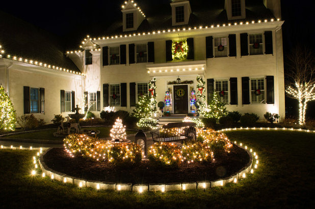 Professional Holiday Decorating Services by Christmas Decor Inc.