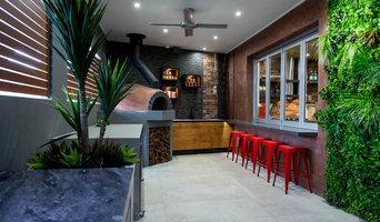 'Black Beauty' Outdoor Kitchen