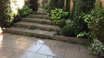 Chelsea courtyard stairs feature