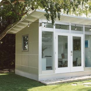 他の地域の小さい独立型モダンスタイルのおしゃれな物置小屋・庭小屋の写真