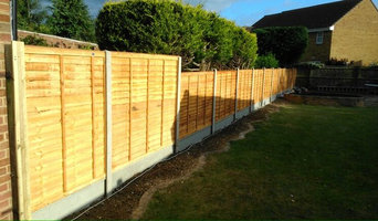 Residential Waney Lap Fencing
