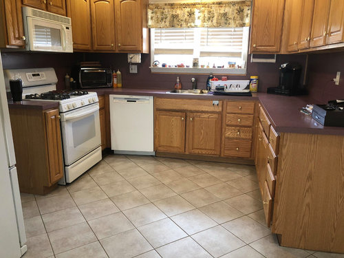 Help (with Pic), What Will Help Make My Kitchen Look Somewhat Decent?