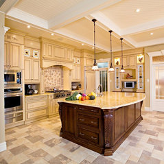 Traditionally Simple Kitchens