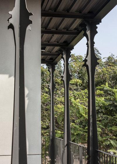 Contemporary Balcony by Kamat & Rozario Architecture