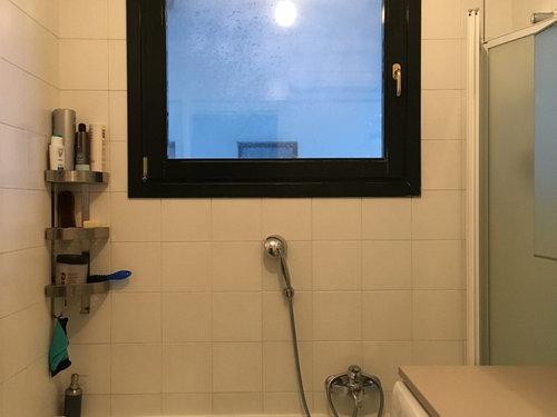 Appartamento tramontana bagno doccia con finestra foto di