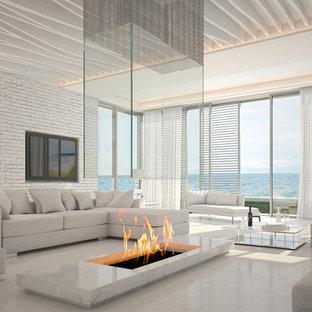 Exemple Du0027un Grand Salon Moderne Ouvert Avec Une Salle De Réception, Un Mur