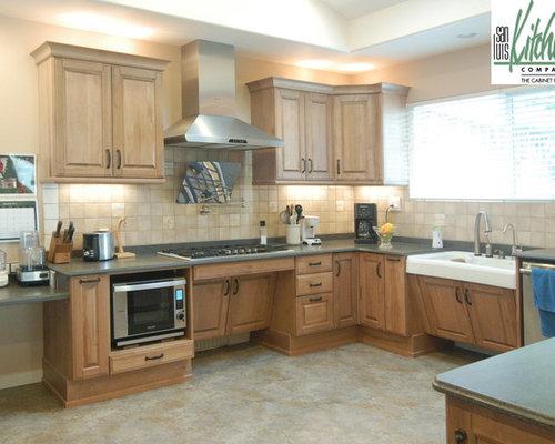 ada kitchen home design ideas pictures remodel and decor. Black Bedroom Furniture Sets. Home Design Ideas