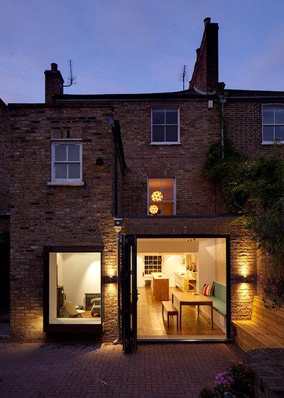 Contemporary  by Brian O'Tuama Architects
