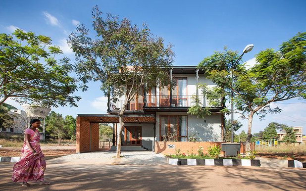 Contemporary  by Kamat & Rozario Architecture