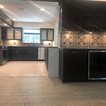 Stunning Modern Kitchen Remodel Done in a Midnight Color