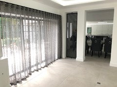 Wave Curtains Compliment Patio Doors And Bifolds Beautifully. Courtesy Of  Bennett And Bowman Interiors.