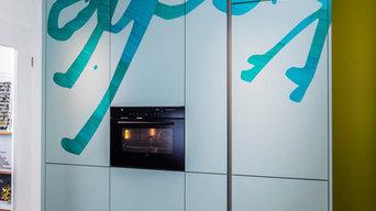 Küche, farbenfroh und kreativ