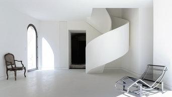 escalier béton hélicoïdal avec garde corps béton