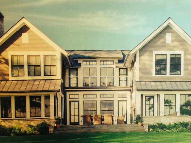 Farmhouse  by Addition Building & Design, Inc.