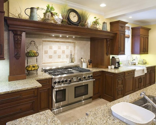 Kitchen decor houzz How to decorate the top of your kitchen cabinets